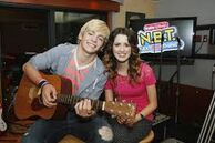 Laura Marano and Ross Lynch7