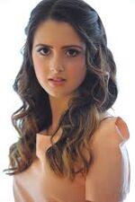 Laura marano5