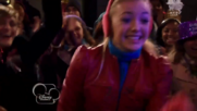 Austin & Jessie & Ally Can You Feel It (16)