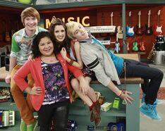Austin-ally-premiere-today-03