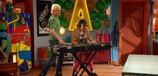A&A 3-7; Austin & DJ White Hip-Hop Girl
