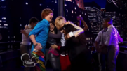 Austin & Jessie & Ally Can You Feel It (14)