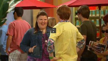 Mindy greets Dez