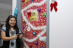 Raini Christmas Door