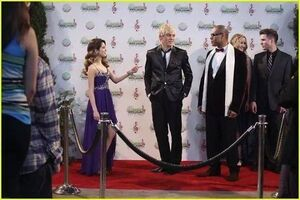 Austin-ally-relationships-red-carpet-stills-04