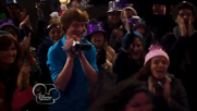 Austin & Jessie & Ally Can You Feel It (10)