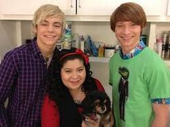 Ross, Raini, Pixie, Calum