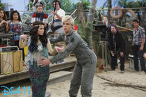 Austin-and-ally-april-13-2014-5