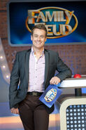 Grant-Denyer-On-Family-Feud-Set