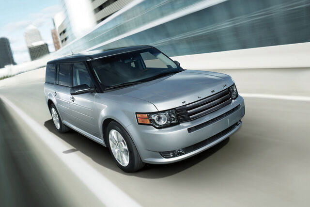 File:2011-Ford-Flex-Titanium-2.jpg