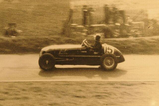 File:Maserati 1937.JPG