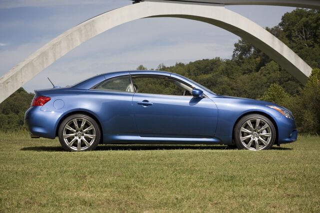 File:2011-Infiniti-G37-Coupe-Convertible-7.jpg