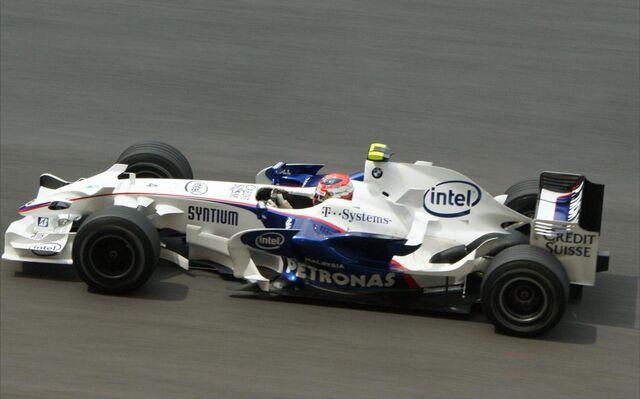 File:Robert Kubica 2008 Malaysia 2.jpg