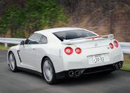Nissan-GT-R 2008 18