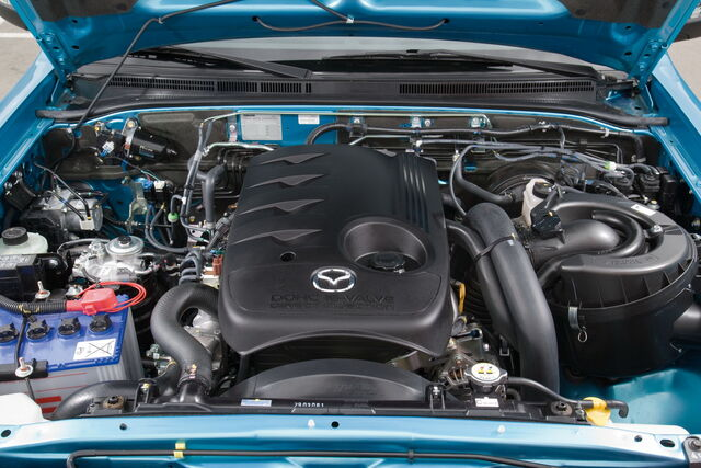 File:Mazda-BT-50-Facelift-317.jpg