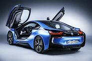 2016-BMW-i8-04