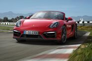 2015-porsche-boxster-gts-front-view-on-track