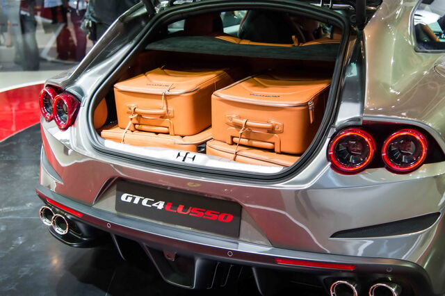 File:Ferrari-gtc4lusso-china-3.jpg