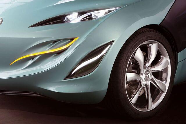 File:Mazda Kiroros 1.jpg
