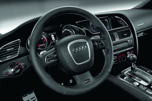File:2011-Audi-RS5-Coupe-3.jpg