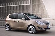 2011-Opel-Meriva-12