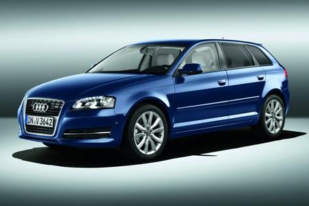 File:2011-Audi-A3-Sportback-2small.jpg