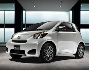 2011-Scion-iQ-10small