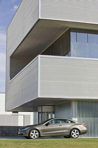 File:Mercedes-benz-e-class-coupe 6.jpg