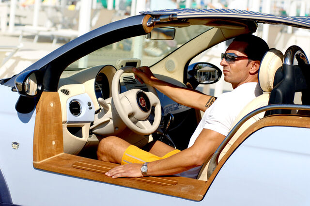 File:Fiat-500-Tender-Two-Castagna-12.jpg