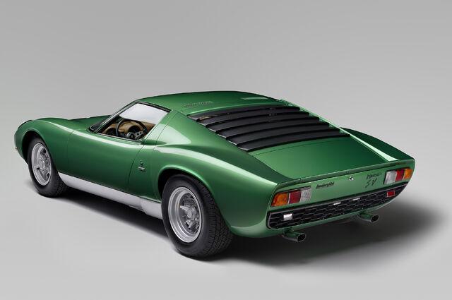 File:Lamborghini-Miura-SV-at-Amelia-Island-22.jpg