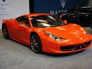 2011-Canadian-International-Auto-Show-Ferrari-458-italia-front-side