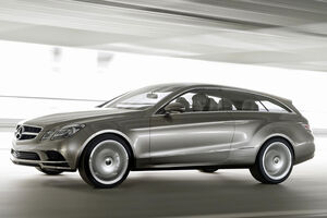 Mercedes-Concept-Paris-Shooting-Brake-2