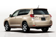2011-Toyota-Vanguard-SUV-2