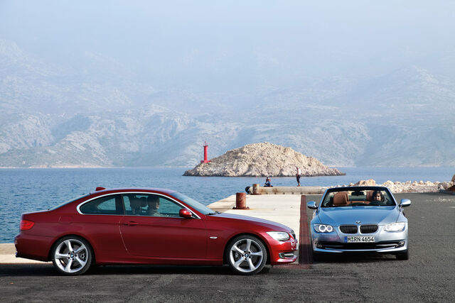 File:2011-BMW-3-Series-Coupe-Convertible-40.jpg