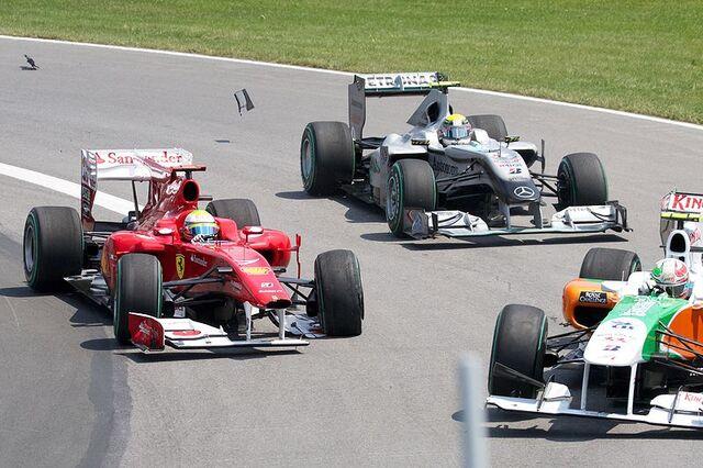 File:Massa Liuzzi 1st Lap Incident 2010 Canada.jpg