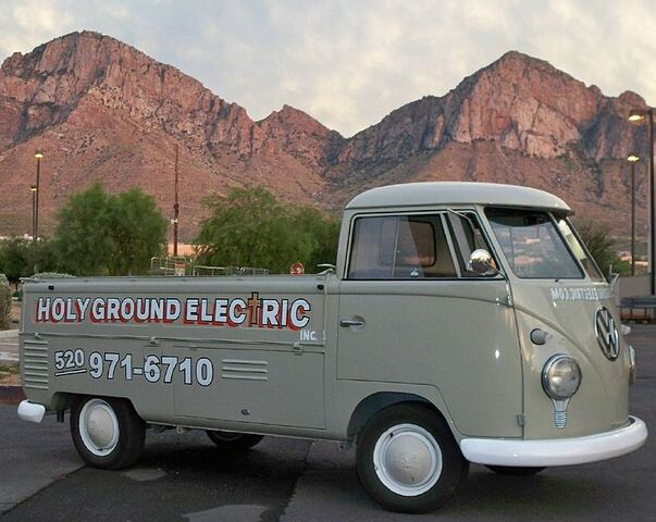 File:Electrician-Tucson.jpg