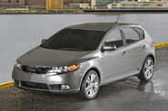 2011-Kia-Forte-Hatchback-152