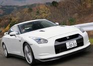 Nissan-GT-R 2008 1