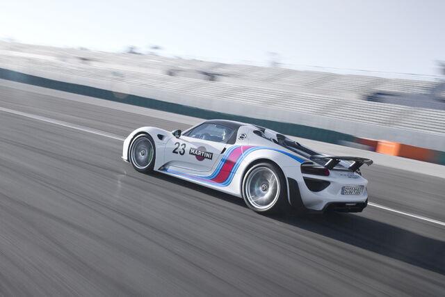 File:2015-Porsche-918-Spyder- 89 .jpg