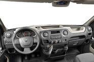 2011-Renault-Master-15