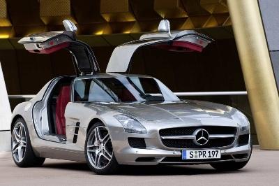 Mercedes-SLS-AMG-26small
