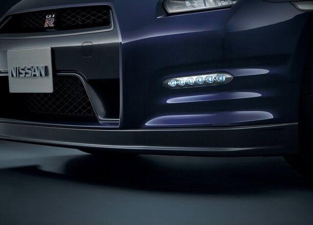 File:Nissan-GT-R 2011 8.jpg