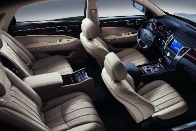2011-Hyundai-Equus-26small