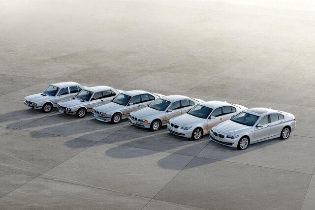 File:2011-BMW-5-Series-74.jpg