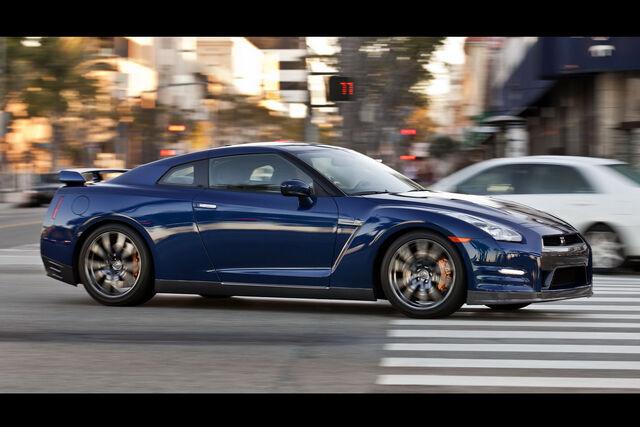 File:2012-Nissan0GT-R-125.JPG