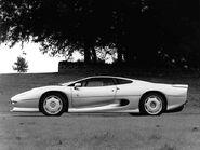 Jaguar XJ220 1993 Side