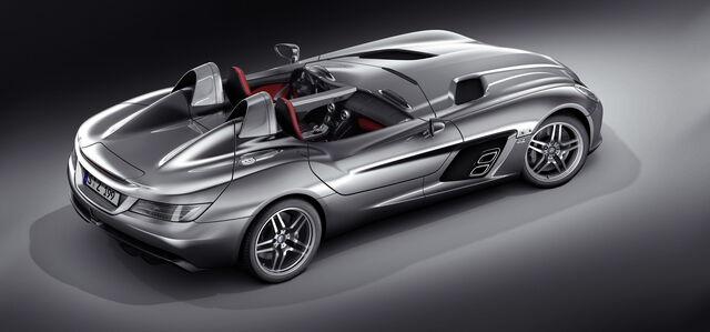 File:Mercedes-Stirling-Moss-SLR-01.jpg