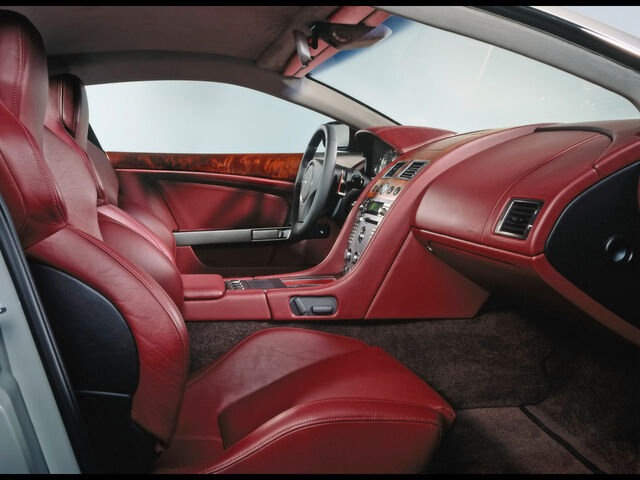 File:Aston-Martin-DB9-Interior-1600x1200.jpg