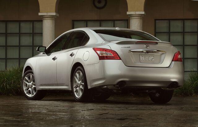 File:2009 Nissan Maxima 2.jpg