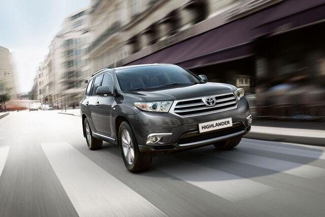 File:2011-Toyota-Highlander-Carscoop-3.jpg